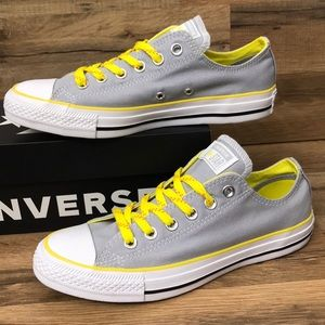 CONVERSE LOW TOP BRAND NEW
